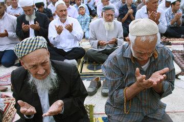 بی توجهی به مصوبه ستاد مقابله با کرونا در لغو اقامه نماز عید قربان